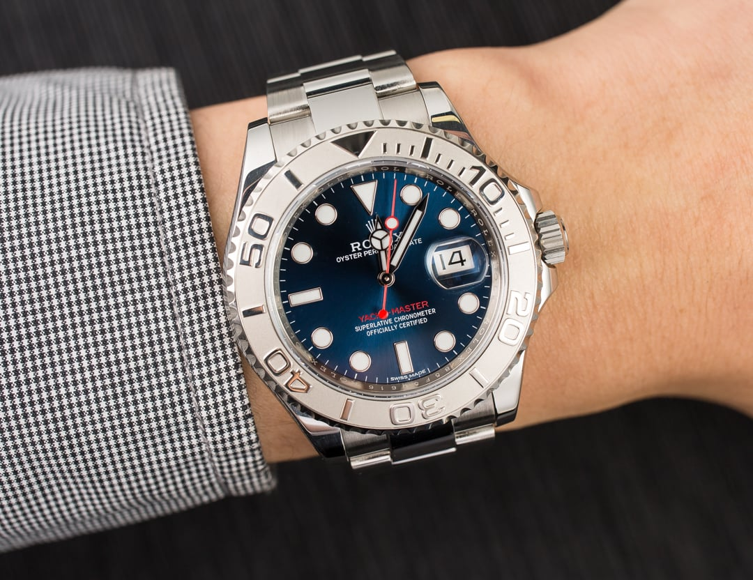 The red second hand is striking on the blue dial of this best fake Rolex Yacht-Master.