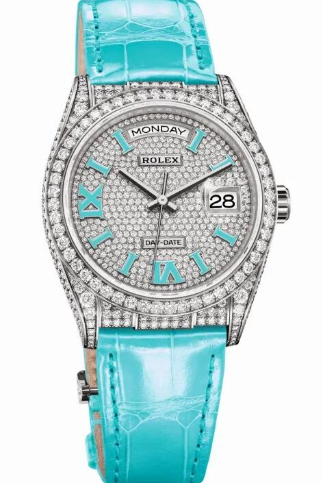 The turquoise color seems very attractive for the replica watches online.